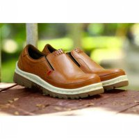 sepatu boot/boots pria slip on safety kickers ( UJUNG BESI )