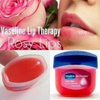 Vaseline Rosy Lips Lip Therapy for soft pink lips