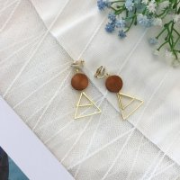 Aksesoris Hijab Anting Jepit / Clip Triangle Wood Earring - RAT1223