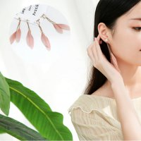 Aksesoris Hijab Anting Jepit / Clip Pink Feather Earring - RAT1224