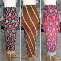 Cj collection Rok span plisket panjang batik wanita jumbo long skirt Tina - Kanan