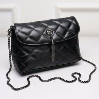 KGS Tas Pesta Formal Wanita Clutch Baguette Geometric Chain Lock Hitam f41939543f