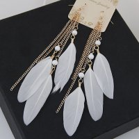 Anting Bulu White KE44952
