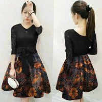 Midi Dress Batik Brokat Pita Tengah Hitam