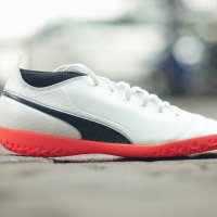 Sepatu Futsal Puma One 17.4 IT - White/Black/Coral