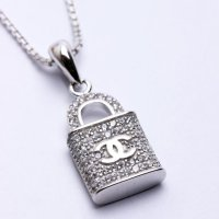 Kalung Luxury White Gold Plated 135 Free Rantai & Box & Pouch Cantik