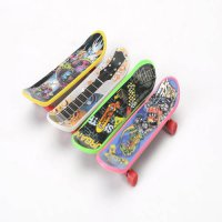[globalbuy] 4PCS/SET hot Cute Party Favor Kids children Mini Finger Board Fingerboard Skat/2871385