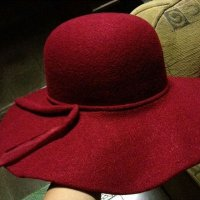 Topi pantai / floppy hat / beach hat