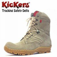 Sepatu boot KICKERS tracking safety delta, Size : 39 - 44