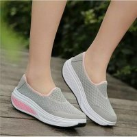 ELIZ IN MOTION 2 WARNA SLIP ON JALA SIMPLE