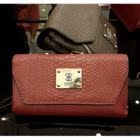 Guess tas dompet