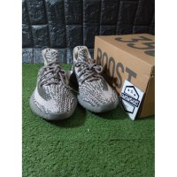 Sepatu ADIDAS Yeezy Boost350 V2 UA PK Turtle Dove Glow In The Dark