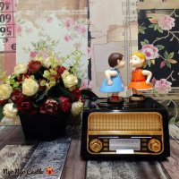 PROMO Music Box / Kotak Musik Classic Radio Kissing Couple
