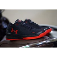 SEPATU FASHION PRIA UNDER ARMOUR - Black Red EU:42