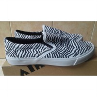 SEPATU CASUAL AIRWALK ORYS 15.2 ZBR SLIP ON 0138 ORIGINAL
