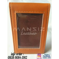ID CARD HOLDER MAGNET BROWN EDITION