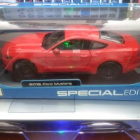 Diecast Mobil Ford Mustang 2015 Red Merah Maisto Special Edition 1/18