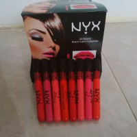 NYX Black Label 24 Hours Lipgloss