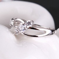 Cincin 18k White Gold Filled Triple Stone Classic Elegant with free gift