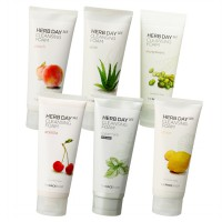 THE FACE SHOP - Herb Day 365 Cleansing Foam