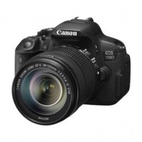 Canon EOS 700D Kit EF-S 18-135mm IS STM Kamera DSLR - Hitam