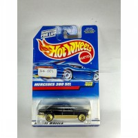 HOT WHEELS MERCEDES 380 SEL HITAM