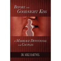 Before the Goodnight Kiss (Paperback)