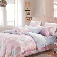 Sleep Buddy Sprei dan Bed Cover Pink Triangle King Size Sutra Tencel