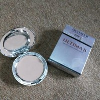 ULTIMA II Delicate Creme Powder Make Up 13Gr