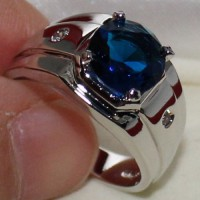 Cincin Pria Eternal Round Blue Sapphire Stainless Steel Solitaire Prong