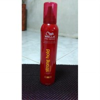 WELLA STRONG HOLD MOUSSE HAIRSPRAY 240 G