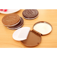 cermin sisir portable bentuk oreo Chocolate Sandwich cookie - AC007