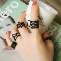 Calista Flower Pattern Hollow Out Rings - Black