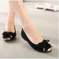 Flat Shoes Kupu-Kupu Hitam