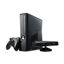 XBOX 360 Game Console [4GB] + Kinect