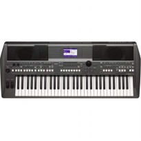 Yamaha PSR S670 / S 670 / S-670 Portable Keyboard