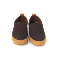 sepatu slip on goodness space cokelat ukuran 39-43