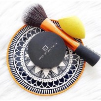 REAL TECHNIQUES POWDER BRUSH (with box)