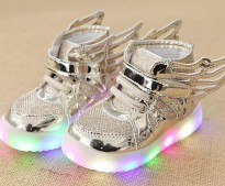 LED WINGS SHOES SNEAKERS SEPATU ANAK LAMPU SAYAP Warna: GOLD