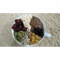 Healthy Granola Mixed A 500 gram ( Cranberry , Raisin , Seed , Oat )