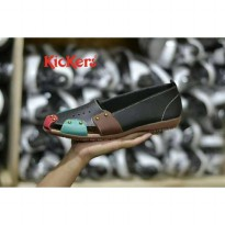 sepatu slip on kickers queen
