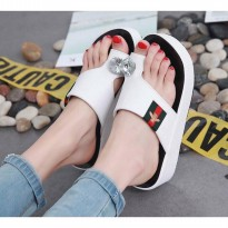 Sandal Wanita Wedges MR93 PUTIH
