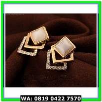 (Anting) Anting Stud Geometry Square Opal