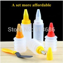 [globalbuy] 2015 Cake Decorating Retractable bottle Set includes5 flower mouth ,3 spring b/2004303