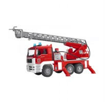 Bruder Toys 2771 Man Tga Fire Engine W. Water Pump Light & Sound Mainan Anak - Merah