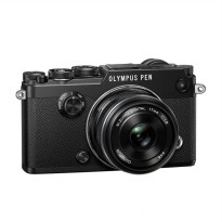 Olympus PEN-F Kit 17mm F/1.8 Kamera Mirrorlees - Black