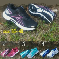 Sepatu reebok triple hall 5.0 running sport import