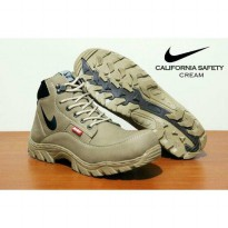 Terbaru NIke Boots Safety California Cream SDW:007072