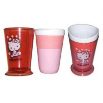 ZOKU Slush Ice SHAKE MAKER MAGIC Gelas Es Susu Shake Kopi Hello KITTY SJ0019