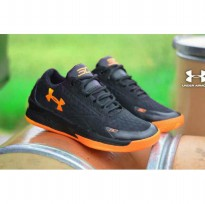 Sepatu Sport Under Amour - Black Orange